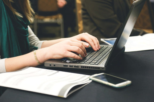 Why Clients Pay me $100+ to Write a Blog Post: 7 Blogging-for-Clients Tips Inside